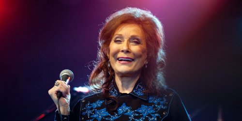New Loretta Lynn Mural in Tennessee Is the Ultimate Photo Backdrop for Country Music Fans