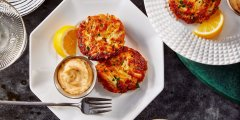 Discover crab cakes