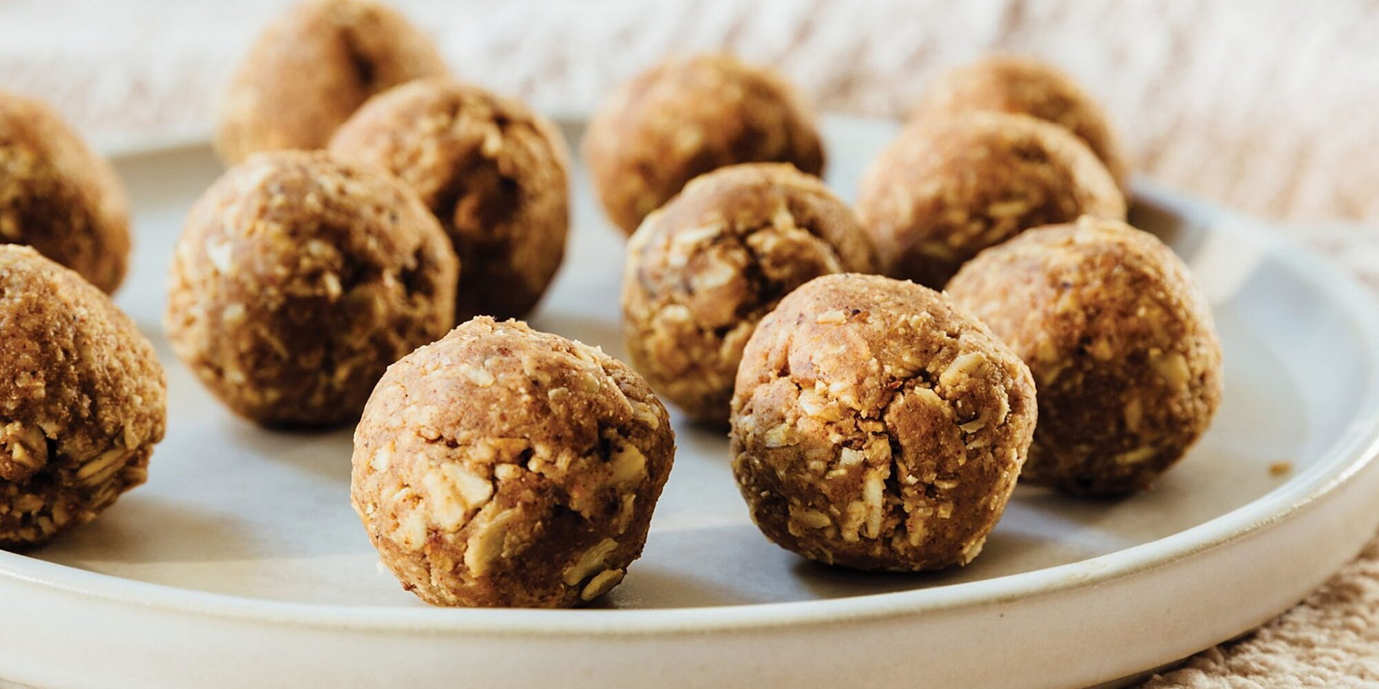 These 3-Ingredient Almond Oat Energy Bites Are Simple, Anyone Can Make Them