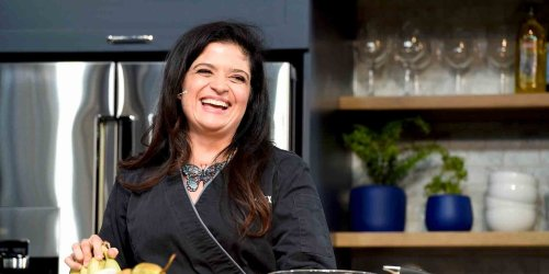 Celeb Chef Alex Guarnaschelli Just Shared a 4-Ingredient Salad Dressing That Will Have You Craving Salads