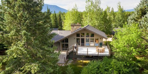 7 Stunning Homes Near National Parks You Can Book on Vrbo