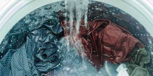 Why Does Water Temperature Matter When Washing White and Colorful Laundry?