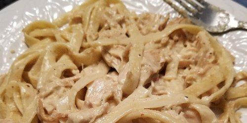 Slow Cooker Chicken Tetrazzini