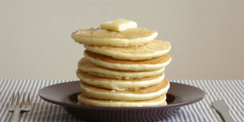 3 Easy Ways to Make Pancakes Without Eggs