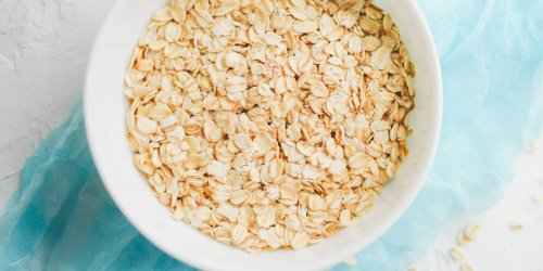 We Just Discovered the Easiest Healthy Hack for Making a Basic Bowl of Oatmeal Taste Delicious