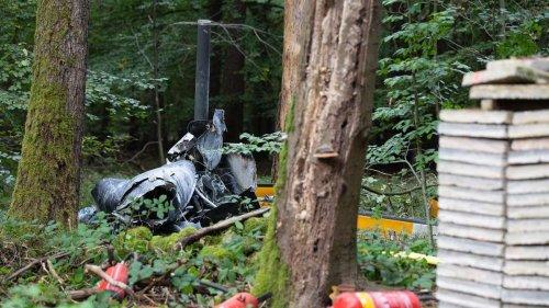 Hubschrauberabsturz in Buchen (Odenwald): Drei Tote, Bergungsarbeiten dauern an