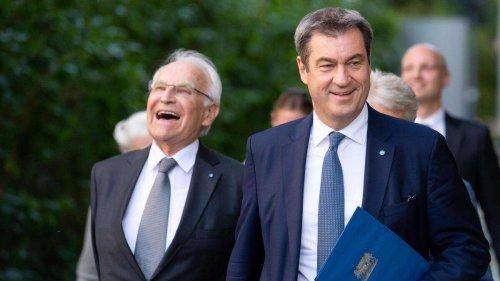 Krise bei CDU/CSU: Stoiber schaltet sich ein und schützt Söder in Laschet-Debatte