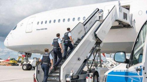 Polizei nimmt gleich mehrere Fluggäste fest