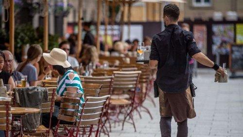Er lässt nur noch Geimpfte und Genesene in sein Café: Nürnberger Wirt wird massiv angefeindet