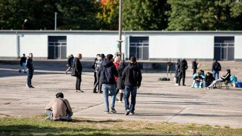 """Asylbewerber beklagen katastrophale Zustände in Deutschland: """"Nicht einmal Tiere werden so behandelt"""""""