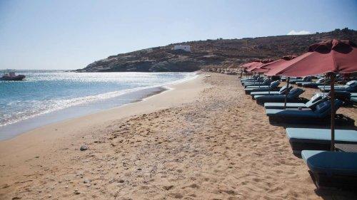 Griechenland-Urlauber brechen Reise vorzeitig ab – andere müssen am Strand schlafen
