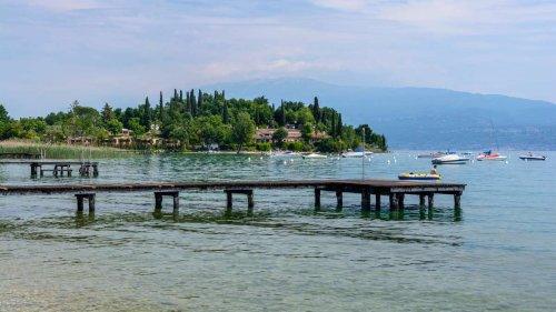 Tragisches Unglück am Gardasee: 15-jähriges Mädchen wohl aus Versehen von Bruder (13) erschossen