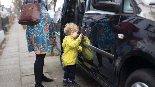 Streit um Bußgeld: zu wenige Mutter-Kind-Parkplätze?