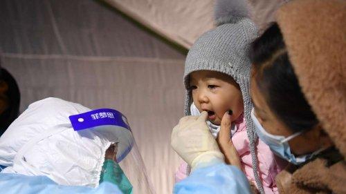 """""""Mir kommen die Tränen"""": Bilder schockieren – Kind (4) in China wegen Corona komplett alleine isoliert"""