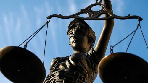 Inhaftierung als Weckruf: Ex-Drogendealer packt vor Gericht aus und bekommt milde Strafe