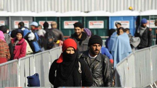 Deutschland: 5400 Menschen aus Afghanistan aufgenommen