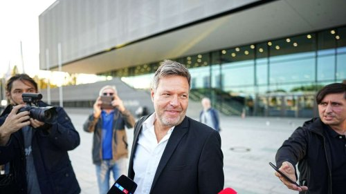 Habeck fordert Umdenken bei Positionsbesetzungen: Reue wegen verpasster Kanzlerkandidatur?