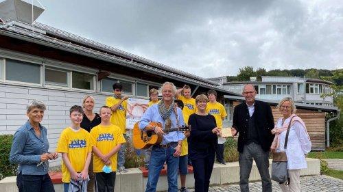 Musikalisches Ständchen: Francis-Band präsentiert zum Schuljubiläum neue CD