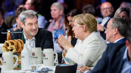 Wahlkampf-Finale mit Merkel in München: Laschet überrascht mit Annäherung an Söder