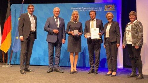 Verdienstmedaillen für Max Gotz und Ulrike Scharf