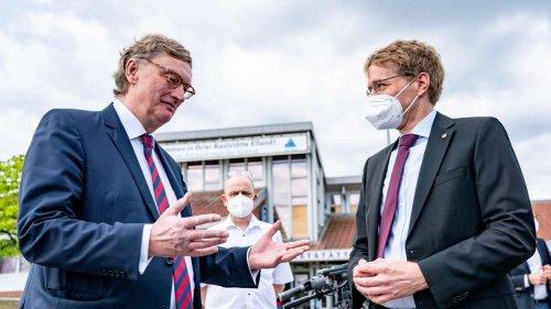 """Corona in Deutschland: Bundesland erhält 55.000 Impfdosen Astrazeneca aus Dänemark - """"ein Tag der Freude"""""""
