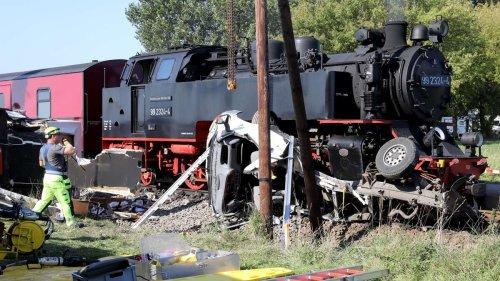 """Dampflokbahn """"Molli"""" kollidiert mit Wohnmobil - Fahrer tot"""