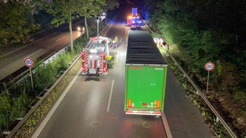 Tödlicher Unfall auf dem Frankenschnellweg: Lkw überfährt Fußgänger - Hintergründe unklar