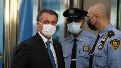 Nach Infektion im Ministerumfeld: Brasilianischer Präsident Bolsonaro hinterfragt Quarantäne-Auflage