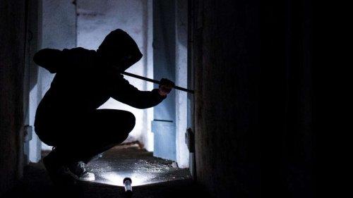 Einfamilienhaus komplett durchwühlt: Saisonstart für Dämmerungseinbrecher?