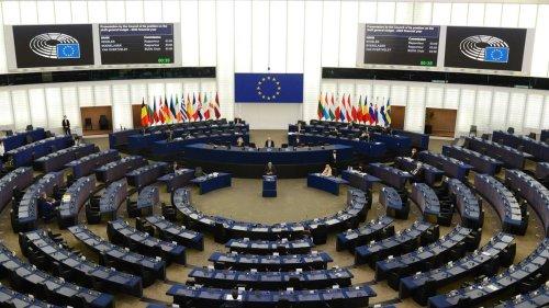 Diskriminierung LGBT-Gemeinschaft: EU-Kommission soll gegen Polen, Ungarn und Rumänien vorgehen
