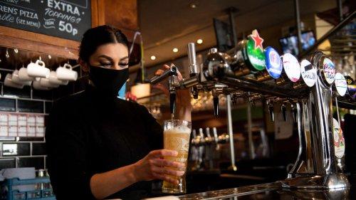Gastgewerbe in Deutschland: Trotz Umsatzsprungs hinter Vorkrisenniveau