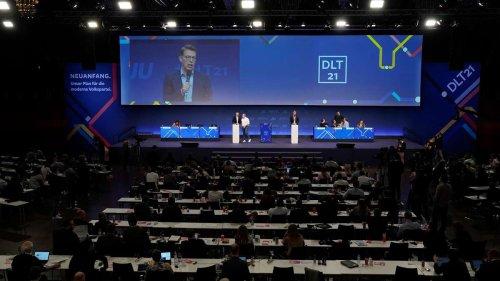 Trump-Anhänger hält emotionale Rede bei CDU und CSU - Karl Lauterbach macht Ärger darüber Luft