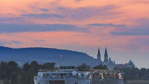 Corona-Ausbruch auf Kreuzfahrtschiff aus Bayern: 80 Infizierte - Österreich setzt Reisende auf Donau fest