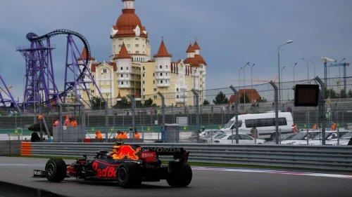 Formel 1 jetzt im Live-Ticker: Verstappen kämpft sich ran - Hamilton mit schwachem Start