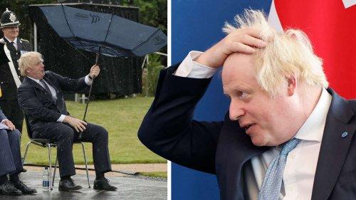 """Boris Johnson kämpft mit Regenschirm: """"Kann die Regierung ihm einen neuen kaufen?"""""""