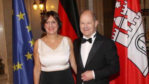 """Olaf Scholz' Ehefrau: Britta Ernst ist SPD-Ministerin - sie waren """"das mächtigste Paar des Nordens"""""""