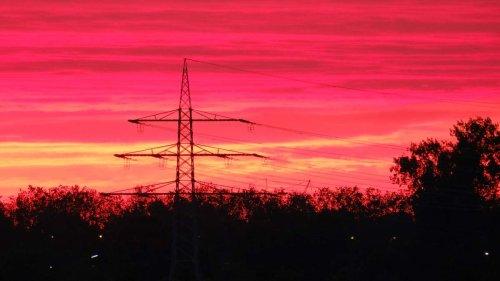 Preise für Kraftstoffe und Energie alarmieren Bayerns Wirtschaft - Atomausstieg zu voreilig?