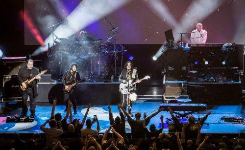 "Marillion / Steve Hogarth looking forward to ""a feeling of reunification"" on November tour   MetalTalk"