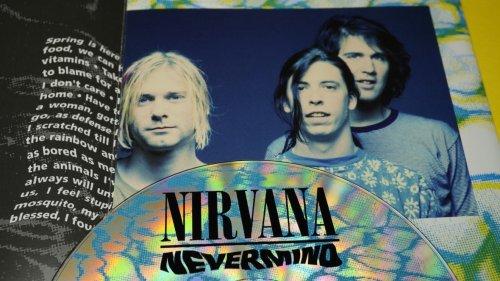 """Nirvana : Dave Grohl à propos de Smells Like Teen Spirit : """"Nous avons juste pensé que c'était une autre chanson cool pour l'album"""""""