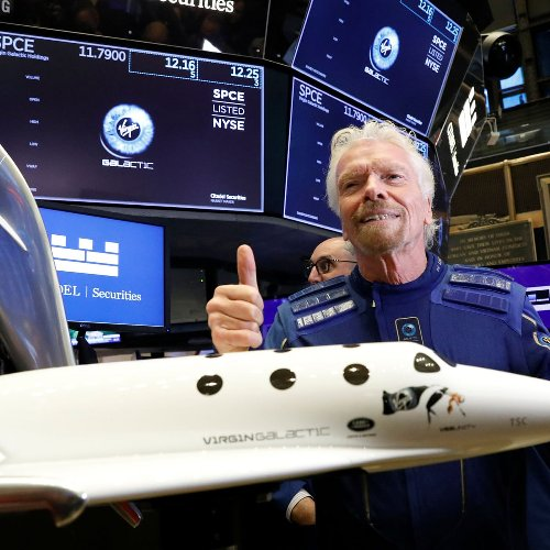 Virgin Galactic Shares Fall After Owner Share Sale