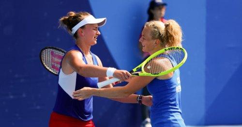 Krejcikova and Siniakova dash Belinda Bencic double gold hopes at Tokyo 2020