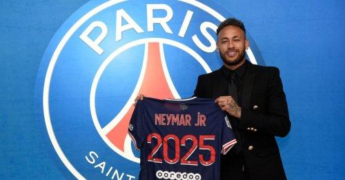 Neymar signs huge new contract at Paris Saint-Germain