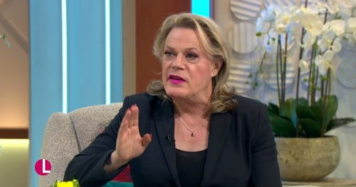 Lorraine Kelly calls for Eddie Izzard to become the 'first female president of the world'