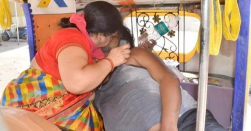 Wife gives CPR to dying husband outside hospital in India after being turned away