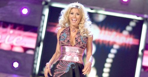 WWE legend Torrie Wilson strips naked for selfie and some 'random truth' about looking in the mirror