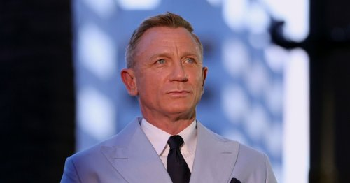 Daniel Craig doesn't understand why fans want to hang out with him: 'I'm boring'