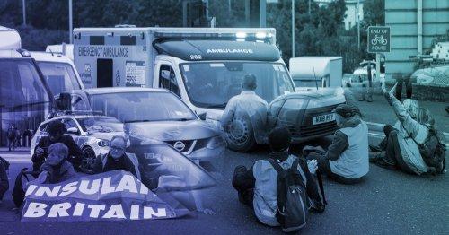 Paramedic calls out Insulate Britain 'idiots' blocking ambulances on 999 calls