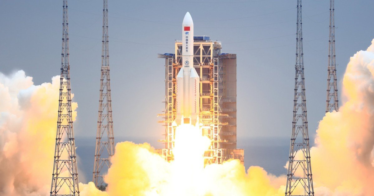 Chance of being hit by chunks of falling Chinese rocket 'very low' say experts