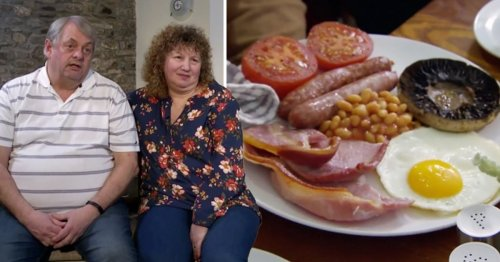 'Disappointed' Four in a Bed contestant slams backlash to breakfast after his sausages were slated