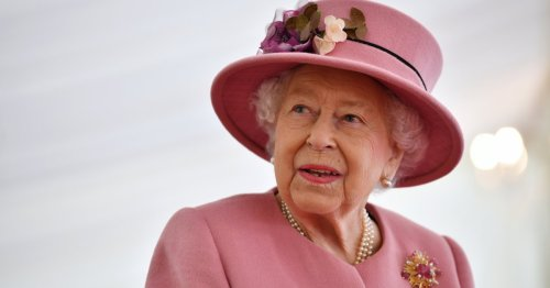 Queen Elizabeth 'got right into it' when she played a game of Pointless with Alexander Armstrong: 'She was so game'